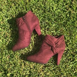 NWOT [Fioni] Suede Booties (Burgundy) Size 7.5